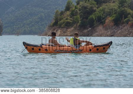 Congost De Montrebei, Catalonia, Spain : 2020 16 September : People In Kayak  In Thelake On  Montreb