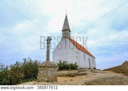 Ile De Brehat, France - August 27, 2019: View Of Saint-michel Chapel And La Croix Maudez On Ile-de-b