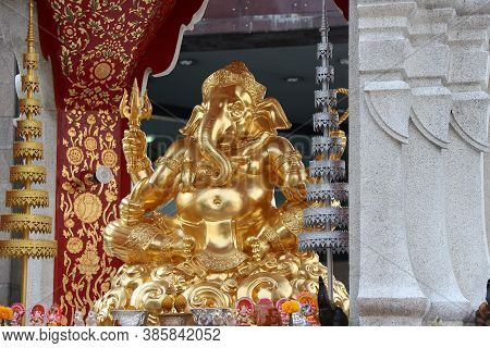 Golden Ganesha Be Enshrined On Camber Altar With Silver And Golden Tiered, Ganesha Is The Son Of Uma