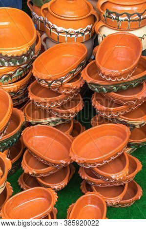 Traditional Earthenware Clay Pots For Slow Cooking Pottery