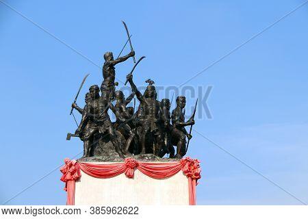 Khai Bang Rachan, Sing Buri, Thailand April 14, 2018: Heroes Bang Rachan Folk Monument, The Statues