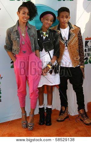 Jada Pinkett Smith, Jaden Smith and Willow Smith at the 2012 Nickelodeon Kids' Choice Awards, Galen Center,  Los Angeles, CA 03-31-12