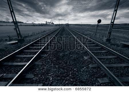 rail-tracks and horizon