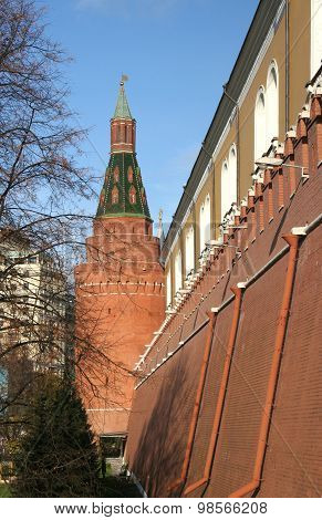 THE CORNER ARSENAL TOWER OF THE Moscow KREMLIN. Erected in 1492 by Pietro Antonio Solari. poster