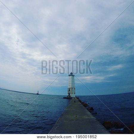 Picture of Frankfort lighthouse from the Frankfort pier