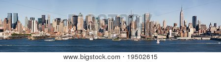 Large Panorama of Mid-Town Manhattan & Hudson River.