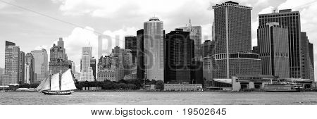 Rounding the Tip of Lower Manhattan