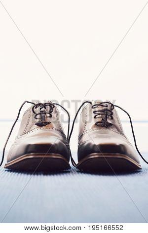 Wingtips men's black shoes