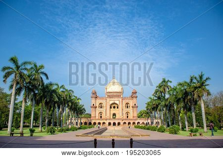 Safdarjung Tomb, New Delhi, India - 9 April 2016 : An Early Morning Wide Angle Shot Of The Tomb With