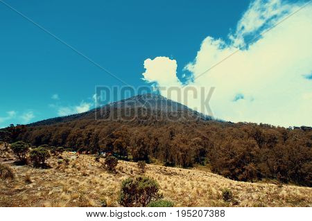 Semeru Mountain is biggest mountain in java, Indonesia