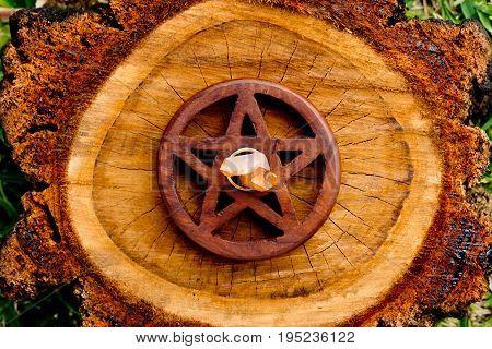 Quartz Crystal In Centre Of Wooden Pentacle - Pentagram On Cut Timber Tree Log
