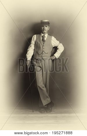 Antique Plate Photo Of 1920S Dandy In Suit Standing With Cane.