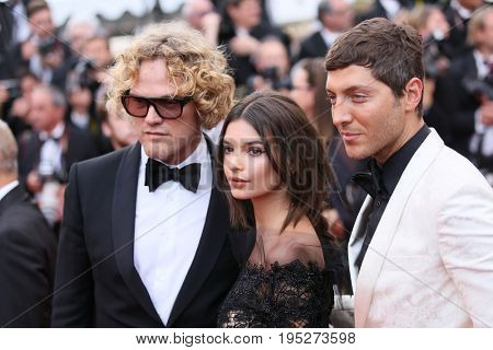 CANNES, FRANCE - MAY 18, 2017: Designer Peter Dundas, Emily Ratajkowski attends the 'Loveless (Nelyubov)' screening during the 70th annual Cannes Film Festival