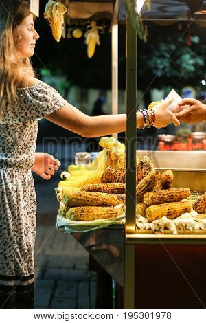 The Girl Buys Corn, Street Maize Sellers, Tourist Attraction, Corn On The Streets, Cooked, Fried