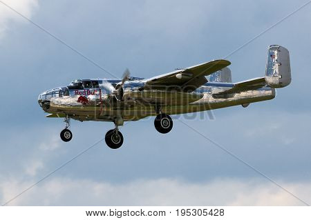 B-25 Mitchel Ww 2 Bomber Airplane