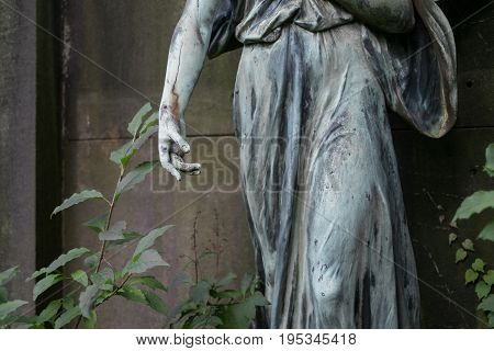 hand of a female angel statue/ sculpture