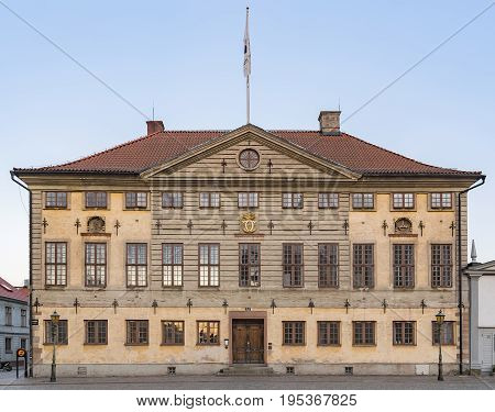 The town hall of Kalmar is located in the city's main square and is of a Dutch Baroque design.