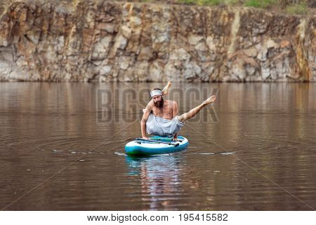 Sup Bearded Man Yoga Meditation 18