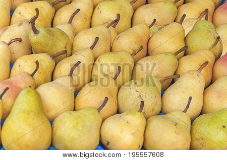 Fresh helathy sweet pile pear on market ready fot selling