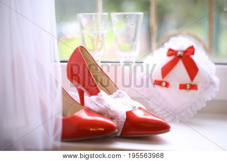 Wedding Bridal Red Patent Leather High Heeled Shoes With Rings And Wine Glasses