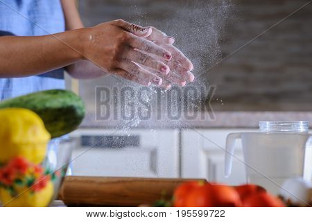 Sprinkling Flour, Freeze The Moment