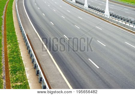 Turn On The Multi-lane Road Without Cars