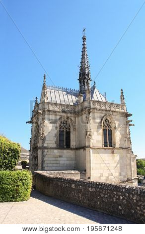 Saint Hubert gothic chapel with Leonardo da Vinci tomb, Amboise, Loire Valley, France, Europe, Unesco world heritage site