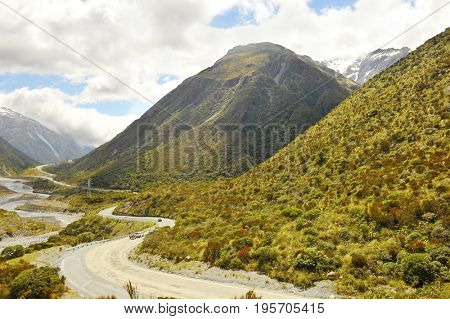 Mountain road in the Arthur's Pass across the Southern Alps, South Island of New Zealand