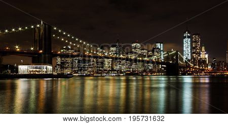 The classic view of Manhattan and the Brooklyn Bridge