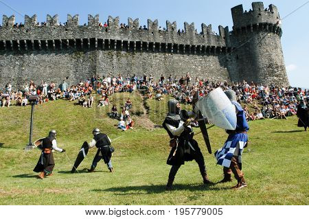Knights In Action During The Annual Renaissance Festival