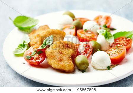 Chicken Nuggets with Salas