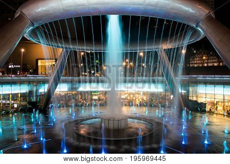 SINGAPORE - May 7 2017 : Fountain of Wealth is the famous travel destination located in Suntec Towers Singapore.
