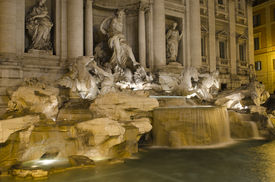 Roma - Fontana Di Trevi At Night
