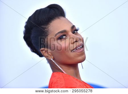 LOS ANGELES - APR 08:  Kelly McCreary arrives for the 'Little' Premiere on April 08, 2019 in Westwood, CA