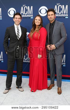 LAS VEGAS - APR 7:  Ty Bentli, Tricia TJ Jenkins, Chuck Wicks at the 54th Academy of Country Music Awards at the MGM Grand Garden Arena on April 7, 2019 in Las Vegas, NV