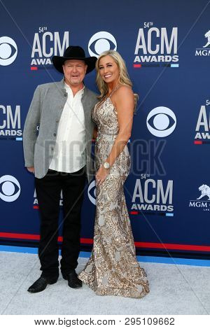LAS VEGAS - APR 7:  Tracy Lawrence, Becca Lawrence at the 54th Academy of Country Music Awards at the MGM Grand Garden Arena on April 7, 2019 in Las Vegas, NV