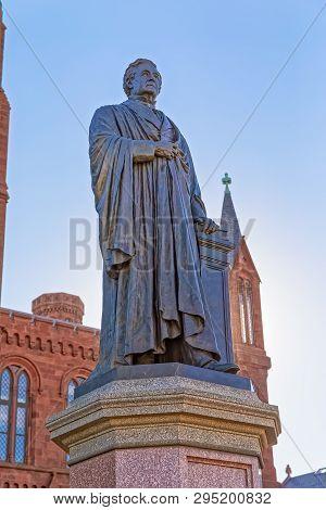 Washington, Usa - January 19, 2018: Statue Of Joseph Henry Before Smithsonian Institution Building W