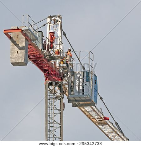 Gosford, New South Wales, Australia - April  9, 2019:  The Disassembly Of A Tower Crane From New Hom