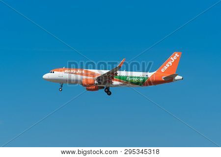 Madrid, Spain - May 22, 2017: Easy Jet Airbus A320-200 Landing In Madrid- Barajas Adolfo Suarez Airp