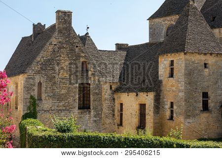 Saint Genies Is A Lovely; Village Between Montignac And Sarlat. At The Centre Of The Village Is A Be