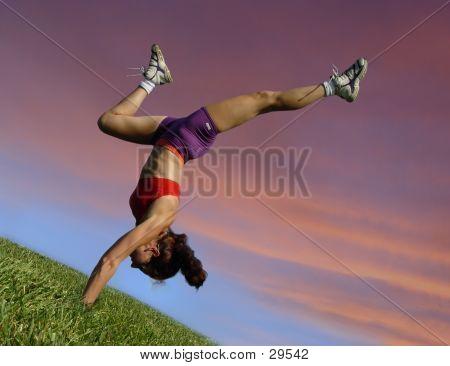 Muchacha de ejercicio al aire libre
