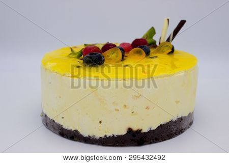 Delicious And Delicious Lemon Cheesecake