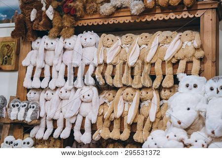 Store Displays Variety Of Latest Fluffy Soft Toys For Sale
