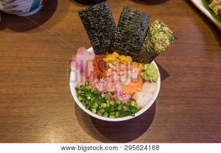 Mixed Seafood Donburi (rice Bowl) With Minced Tuna, Urchin And Scallop.