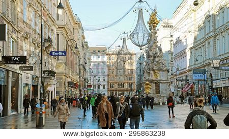 Vienna, Austria - January 8, 2019: Graben, A Famous Pedestrian Street Of Vienna With A Plague Column