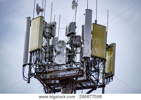 Equipment On Cell Phone Towers, Tower Antennas