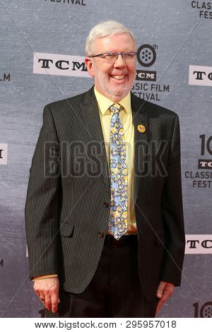 LOS ANGELES - APR 11:  Leonard Maltin at the 2019 TCM Classic Film Festival Gala -