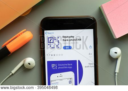 New York, United States - 7 November 2020: Deutsche Bank Phototan App Store Logo On Phone Screen, Il