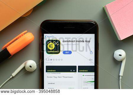 New York, United States - 7 November 2020: Comdirect Mobile App Store Logo On Phone Screen, Illustra
