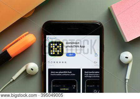 New York, United States - 7 November 2020: Comdirect Phototan App Store Logo On Phone Screen, Illust